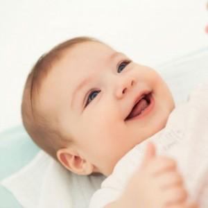 Bebeklerin 0-12. aylarda kazanabileceği beceriler