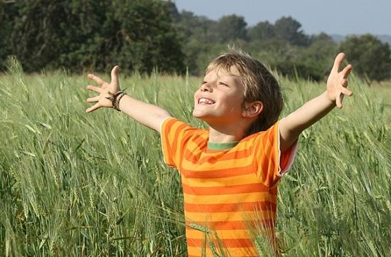 Mutlu bir çocuk yetiştirmenin 7 sırrı