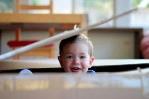 Bebekler ne zaman oynar? Yaşa göre oyun rehberi